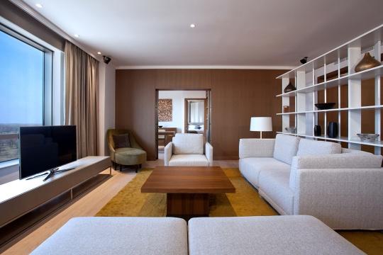 Diplomatski apartman - dnevna soba; foto: