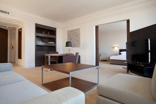 Junior middle apartman - dnevna soba; foto: