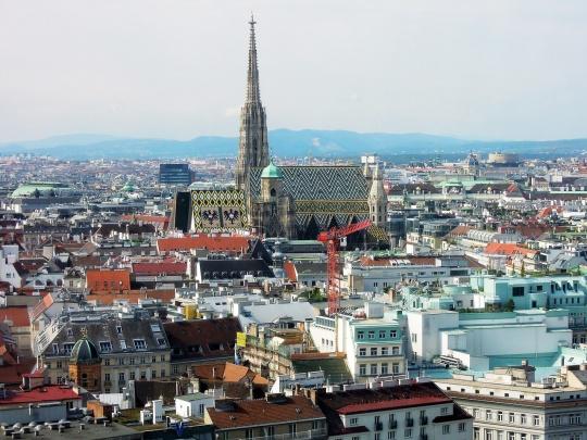 Pogled na grad i Katedralu svetog Stefana; foto: pixabay.com / saarmaica; CC0 Public Domain